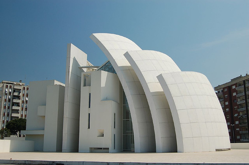 Back view of the church (Image Credit: alaninabox(Flickr))