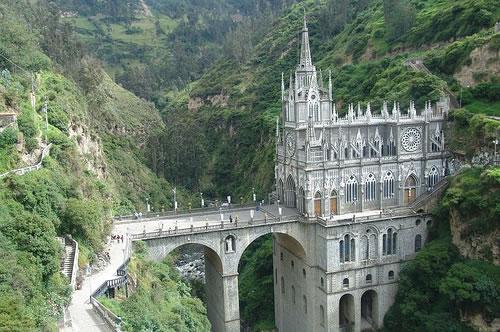 Las Lajas Cathedral (Image Credit: Jungle_Boy [Flickr])