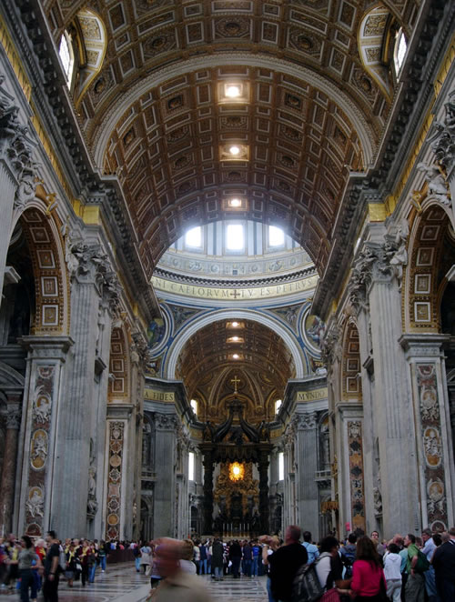 Ornately detailed interior of the St. Peter's Basilica (Image Credit: scot2342 (Flickr))