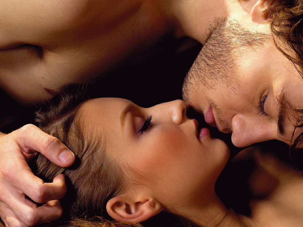 how men like to be kissed
